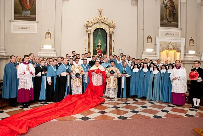 Wallfahrt, Pontifikalamt mit Kardinal Burke